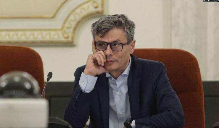 """Ministrul Economiei, din Guvernul Foarfecă, Virgil Popescu, vrea mătrășirea Ordonanței  114, ca să nu mai fie """"disensiuni în piață"""". E neconflictual..."""