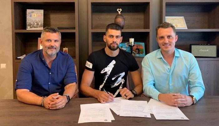 Tiberiu Curt, manager FC Farul, Viorel Lică şi impresarul Bogdan Apostu (sursa foto: Facebook FC Farul Constanța)
