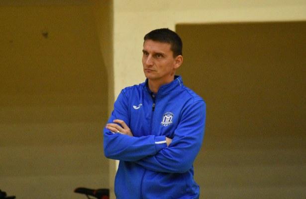 Antrenorul Florin Voinea şi-a condus elevele spre un succes în Sala Rapid din Bucureşti