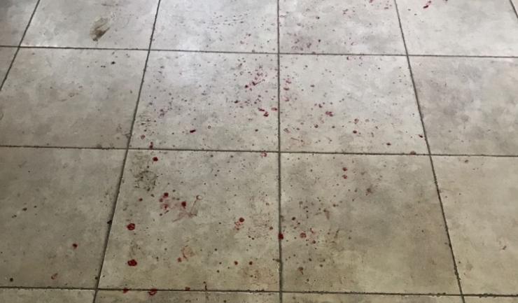 Urme de sânge din timpul scandalului