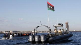 Patru traficanţi de imigranţi au murit într-un schimb de focuri cu autorităţile din Libia