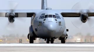 Un avion militar american a aterizat de urgență în Canada
