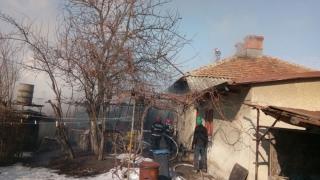 Pompierii, în alertă! Arde o casă din Constanța!