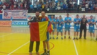 Momente emoţionante la festivitatea de retragere a handbaliştilor Stănescu şi Angelovski