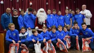 Moş Crăciun a oferit cadouri copiilor de la AS Kinder Constanţa