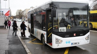 100 de autobuze noi la RATC. Când vom circula cu ele, Dumnezeu știe