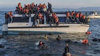 100 de migranți salvați din apele Mării Egee, în doar două zile