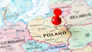 100 de personalităţi promovează Polonia