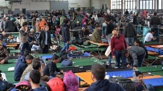 Grecia va construi noi centre de refugiaţi