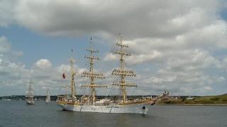 """1.040 de mile marine! Nava Şcoală """"Mircea"""" a ajuns în Portul Bari, Italia"""