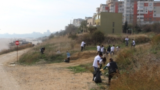 """Polaris împreună cu elevii Centrului Şcolar """"Albatros"""" au colectat 1.5 tone de deşeuri"""