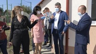 Ciolacu susţine că, deşi e preşedintele Camerei Deputaţilor, nu deţine informaţii legate de deschiderea anului şcolar