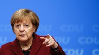 Angela Merkel avertizează împotriva știrilor false care promovează populismul