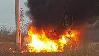 Accident rutier grav la Agigea! Un autoturism a luat foc!