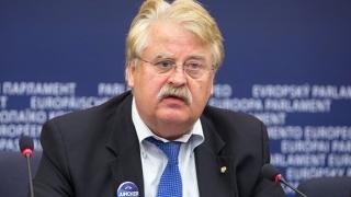 Eurodeputat german: Campania din SUA, marcată de populism şi atacuri personale