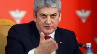 Gabriel Oprea se retrage din politică