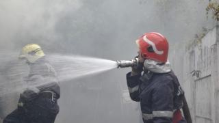 14 persoane evacuate dintr-un bloc, din cauza izbucnirii unui incendiu