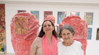 """Expoziţie de arte vizuale - """"Grădina cu Îngeri"""" a Silviei Radu"""