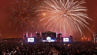 Aproape 40.000 de oameni au petrecut în aer liber Revelionul în Capitală
