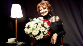 Cezara Dafinescu face un cadou teatral Constanţei