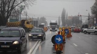 Trafic îngreunat pe b-dul Aurel Vlaicu - zona Hidrotehnica