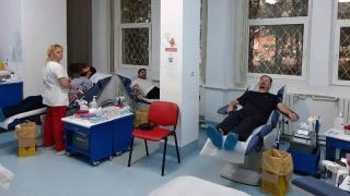 Preoții din Arhiepiscopia Tomisului au donat sânge