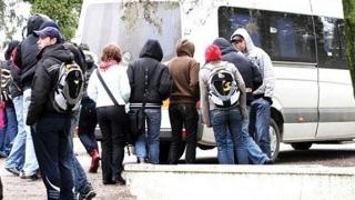 Lovitură pentru elevii navetiști! NU vor beneficia de reduceri la transport!