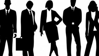 Parlamentarii, obligați să se îmbrace decent şi să nu înjure
