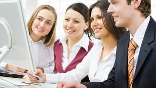 Pentru ce cursuri optează funcționarii adevărați din administrație?