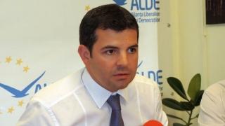 """Daniel Constantin, o altă """"Mama Omida"""" a politicii"""