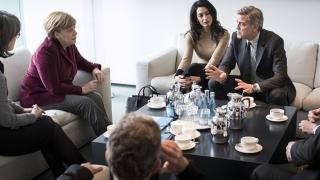 Întâlnire între George Clooney și cancelarul Angela Merkel pe tema refugiaților
