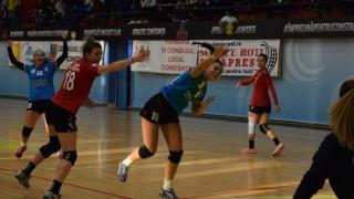 Handbalistele de la CSU Neptun, la turneul semifinal