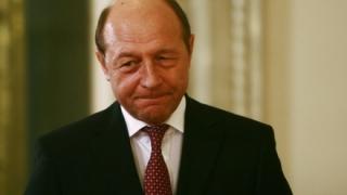 Băsescu îl dă în judecată pe Dodon pentru că i-a retras cetățenia