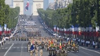 Președintele Hollande a dat startul paradei militare de Ziua Națională a Franței