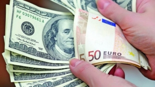 Leul pierde teren în raport cu principalele valute. Euro, la cel mai ridicat nivel