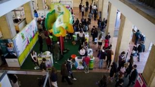 Universităţile din Europa şi SUA caută studenți români la târgul RIUF