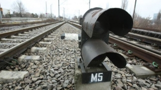 Trafic feroviar îngreunat după ce au fost furate cablurile de semnalizare