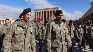 Aproape 1.400 de militari turci au fost excluși din armată