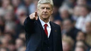 Arsene Wenger vrea să antreneze Arsenal și sezonul viitor