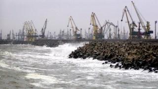 A fost reluat traficul maritim în toate porturile  de la Marea Neagră