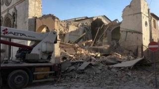 Cetăţean român, găsit mort în maşina în care a petrecut noaptea după cutremurul din Italia