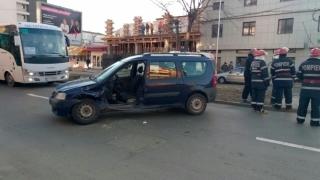 Bărbat rănit într-un accident rutier pe Bulevardul Mamaia