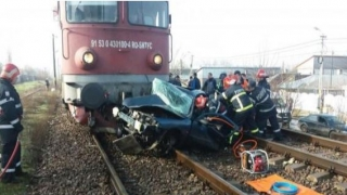 Tragedie pe calea ferată. Un bărbat și soția sa au murit pe loc