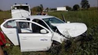 Accident GRAV! Două mașini s-au ciocnit FRONTAL la Hanul Morilor