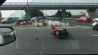 Impact devastator! Motociclist lovit în plin, în sensul giratoriu de la Agigea