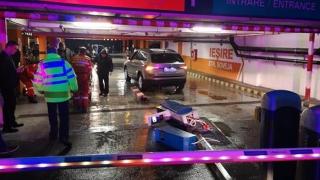 Accident rutier la intrarea în parcarea de la City Park Mall. O victimă