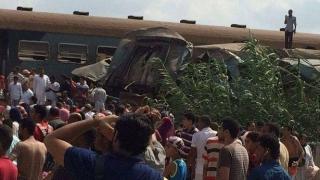 Două trenuri s-au ciocnit, în Egipt. Zeci de morți și răniți