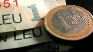 Moneda euro a coborât spre pragul de 4,66 lei