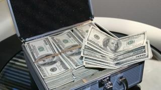 Bloomberg: A crescut numărul milionarilor în dolari din lume