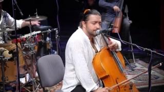 Îl regăsim pe Adrian Naidin pe scena Teatrului de Vară din Costinești